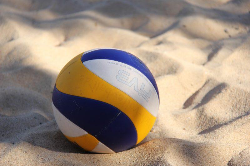 lentopallo hiekalla